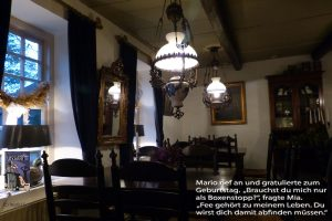 Teil 15 Inselhaus Tisch_Spiekerooger Utkieker_Ingrid Schmitz